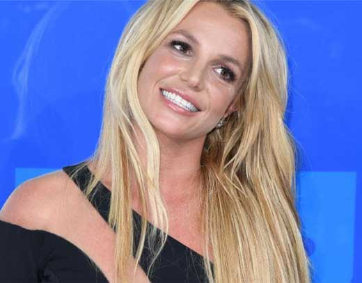 Britney Spears plastic surgeries
