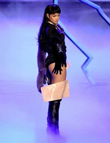 Rihanna Plastic Surgery